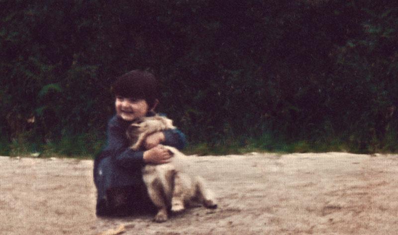 Rocio Ameneiros a los 3 años de edad, con Zar